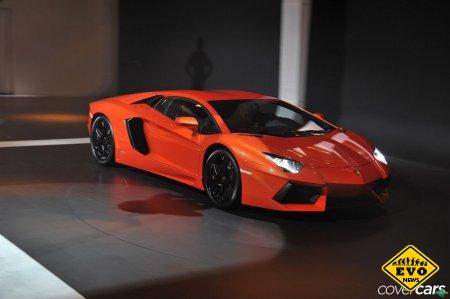 Lamborghini Aventador LP700-4 - одна из новых моделей
