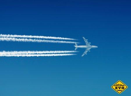 Что за след на небе от самолета? (Статья расскажет об этом)