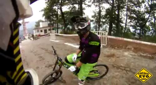 Down Hill Taxco 2012 - захватывающее видео MTB