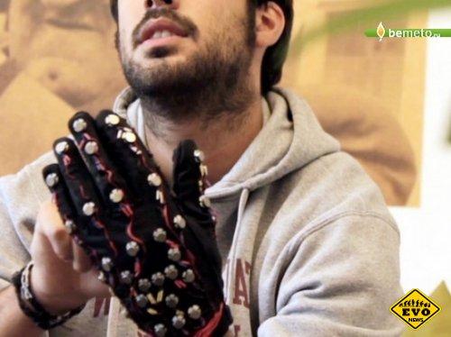 Глухонемые смогут общаться с помощью перчаток
