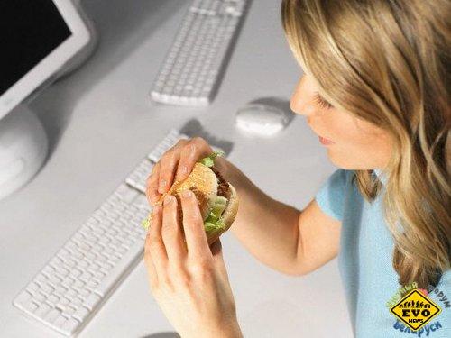 Женщины-трудоголики чаще страдают ожирением