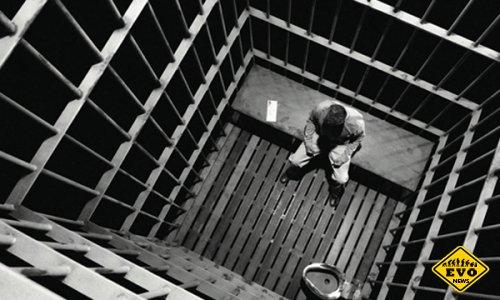 Сел в тюрьму на 13 лет в связи недоваренных пельменей