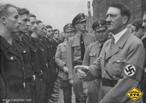 Гитлер читает реп!!! - (ржачный видео ролик)