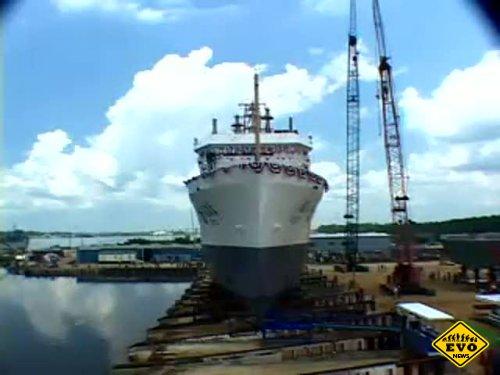 Варианты спуска корабля на воду (Интересное видео)
