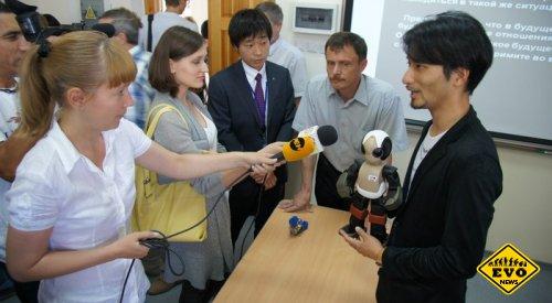 С роботом-преподавателем студенты на лекциях вряд ли заснут