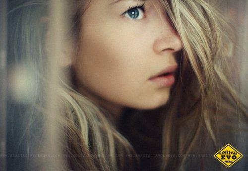Отражение в серых глазах