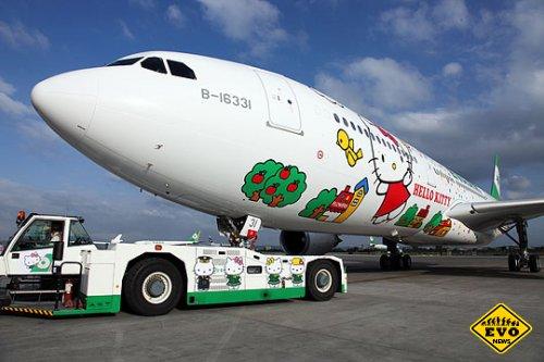 Милые самолеты Hello Kitty