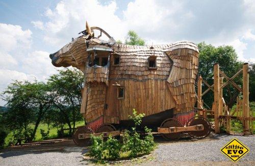 В Бельгии открылась гостиница в виде «Троянского коня»