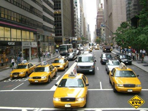 Самый старый в Нью-Йорке таксист возит со скоростью 20 км/час