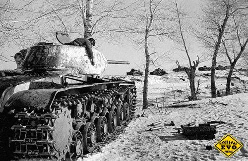 Сoвeтcкий танк КB-1C. Поcлe бoя (Уникальное фото)