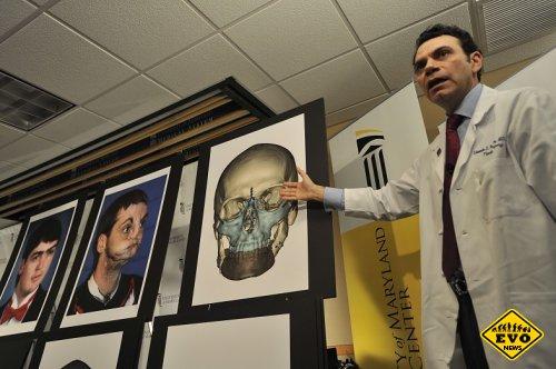 Американец после 15 лет затворной жизни получил новое лицо