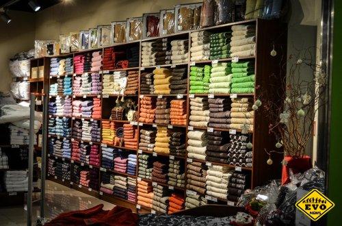 Стоковые магазины одежды: плюсы и минусы
