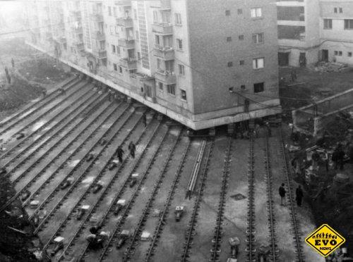 Перемещение 7600-тонного многоквартирного здания (фото)