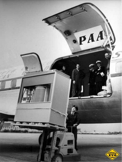 Загрузка первого жесткого диска в 5 МБ в самолет PanAm