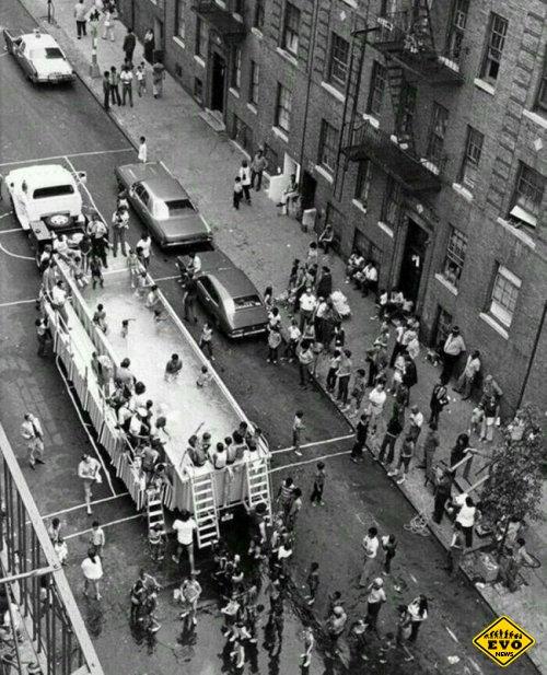 Бассейномобиль в Нью-Йорке, 1960 год на фотографии