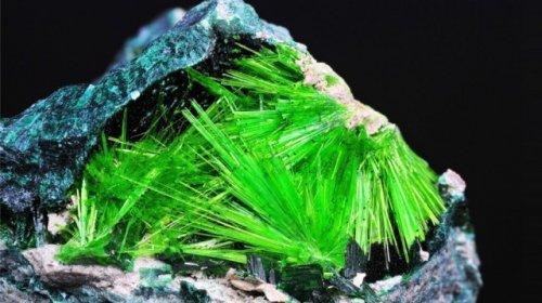 Самые удивительные минералы с описанием к ним
