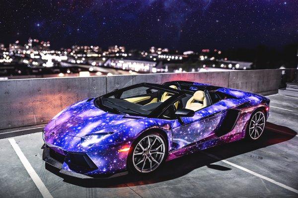 Lamborghini Aventador в космической пленке Galaxy