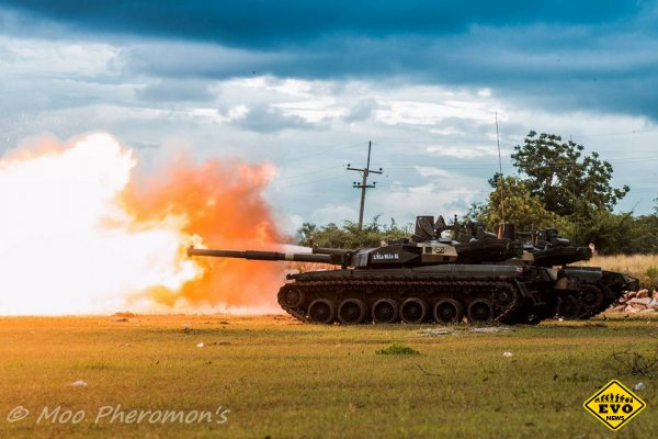 Серия красивых фото танка Оплот-Т в Таиланде
