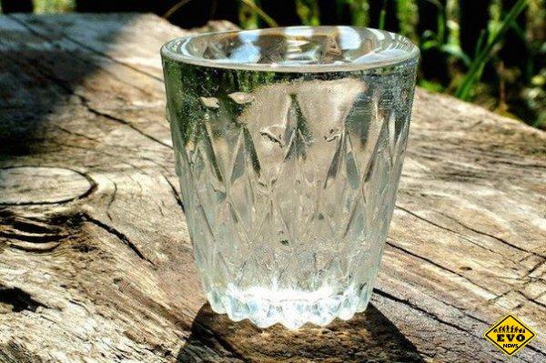 Атомов в стакане воды больше, чем...