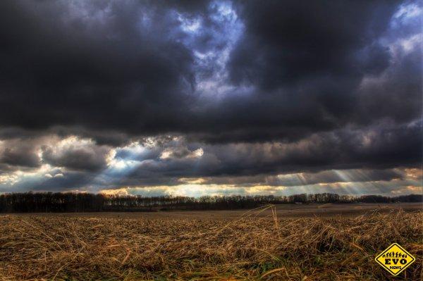 Почему дождевые облака темные?