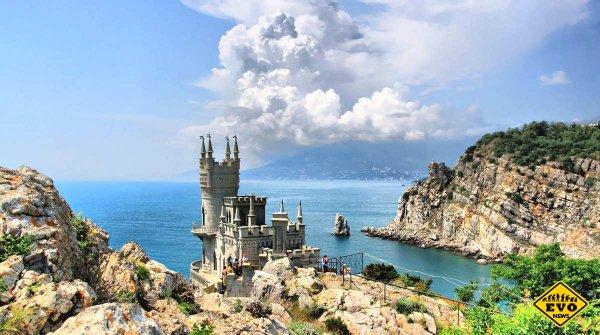 Манящий туристов Крымский полуостров
