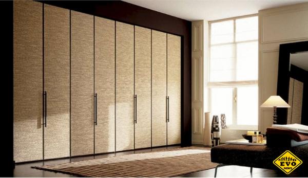 Распашные шкафы – пережиток прошлого или достойное дополнение современного интерьера?