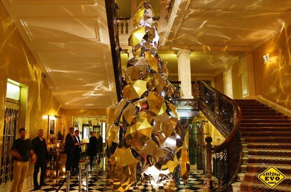12 самых фееричных новогодних елок в мире
