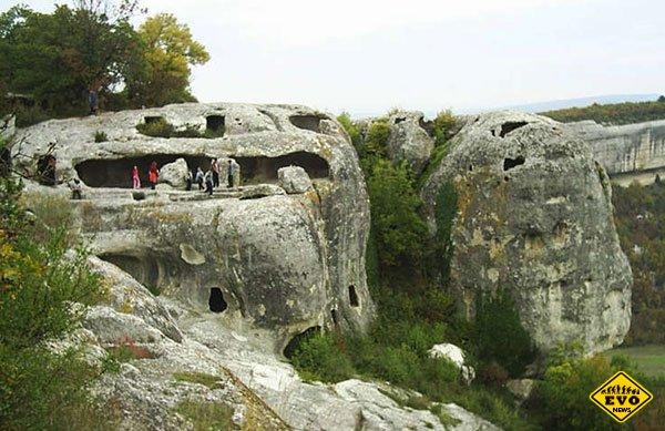Средневековый пещерный город Мангуп