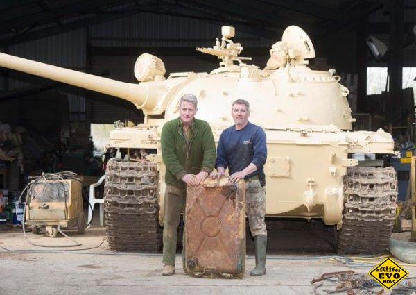 Британский коллекционер обнаружил золото на 2,5 млн долларов внутри танка Т-54