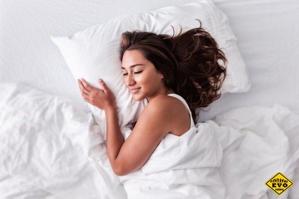 Как почистить подушки: пуховые, синтетические и декоративные