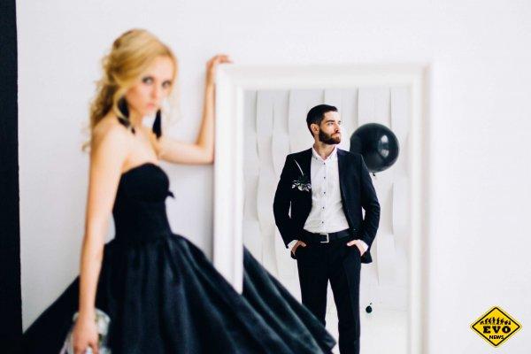 Особенности выбора черного платья на свадьбу