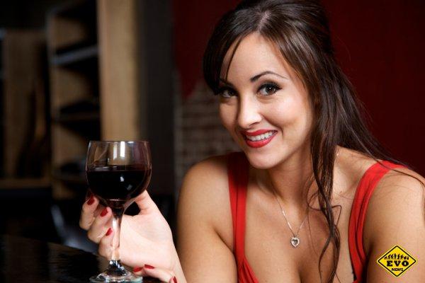 Это уже алкоголизм! 9 мифов об алкоголе, в которые верят женщины