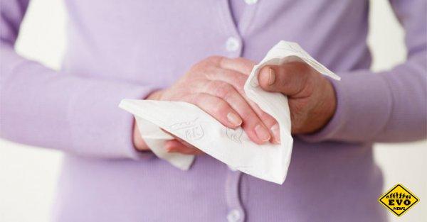 Вытирать руки полезней бумажными полотенцами