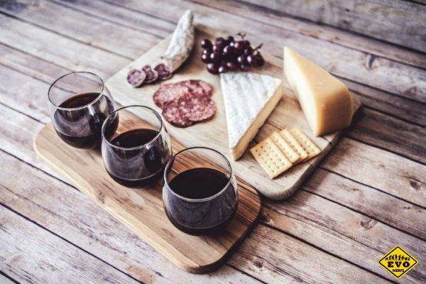 Сыр — действительно лучшая закуска для вина
